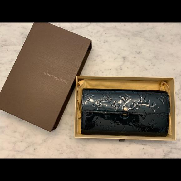 Louis Vuitton Handbags - Authentic Louis Vuitton Wallet